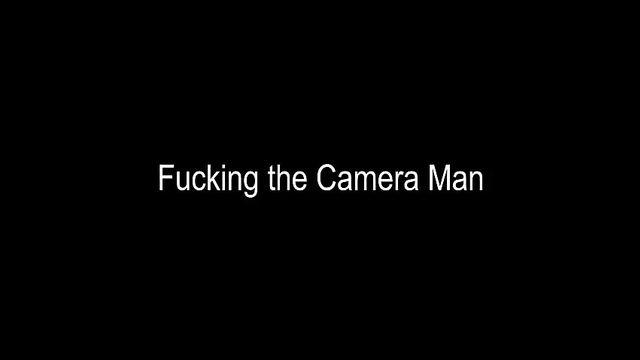 БДСМ порно: Подвязала раба и отстрапонила его по полной