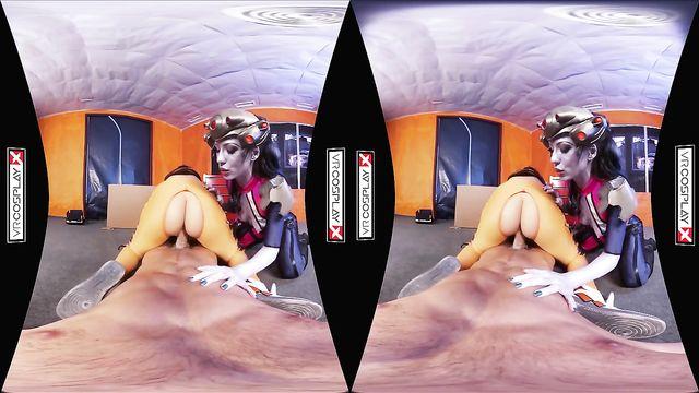 VR порно с двумя красочными красотками