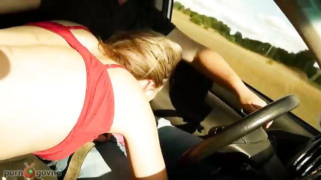 Секс в автомобиле во время езды опасен для здоровья!