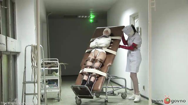 Лечение психически неуравновешенной больной в психушке 004