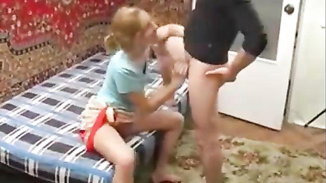 Бухая Вика орет во всю глотку во время анального секса