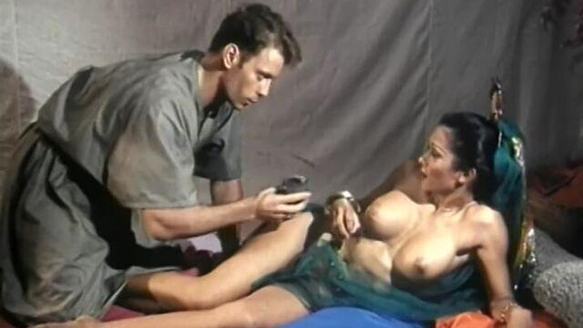 Эротические приключения Марко Поло - порно фильм с русским переводом