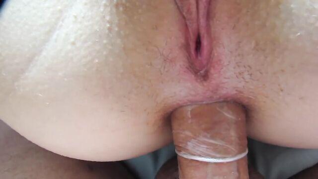 Анальный секс с молоденькой красоткой крупным планом