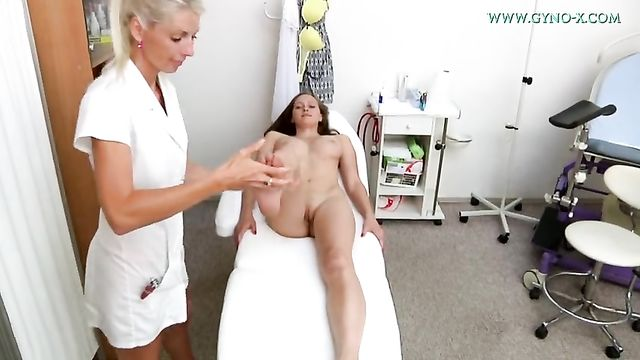 Полное гинекологическое исследование молоденькой Стейси