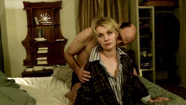Порно фильм Сексуальные хроники французской семьи