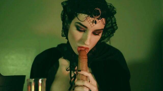 Пара свежих секс видео трансляций от пурпурной сучки