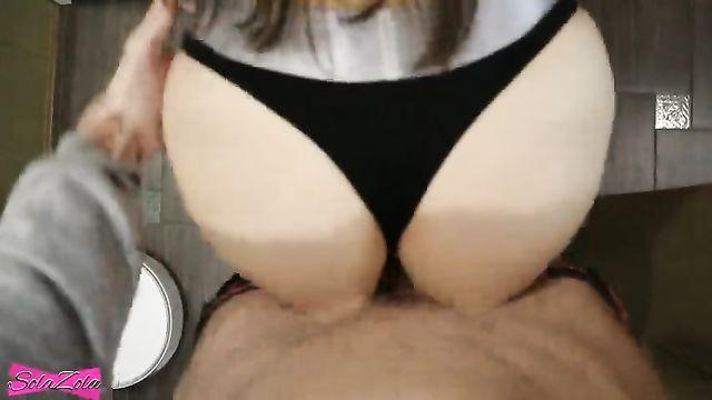 Домашнее любительское видео с девушкой в трусиках Calvin Klein