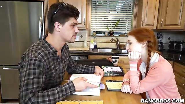 Только не трахай мою дочь! Молодая отдалась репетитору...