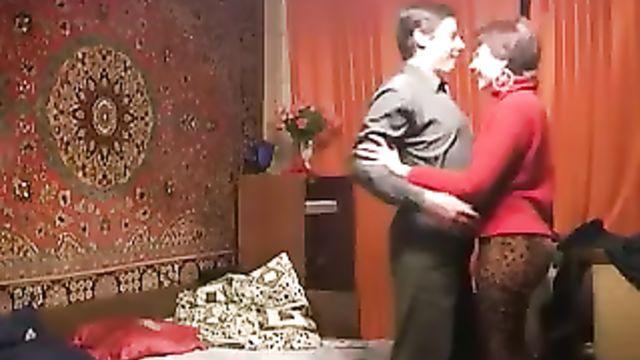 Любительское порно русской пары дома на квартире