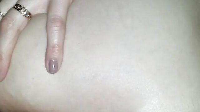 Русское порно: Длинный тонкий член засунул в тугую попку