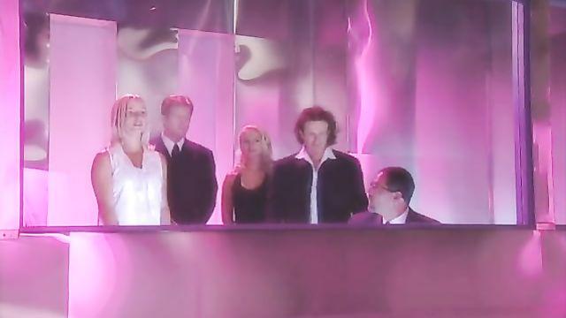 Порно фильм Виртуалия - эпизод 6: Потерянные в сексе (на русском)