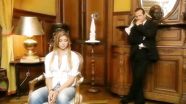 Порно фильм на русском: Трахни меня если сможешь