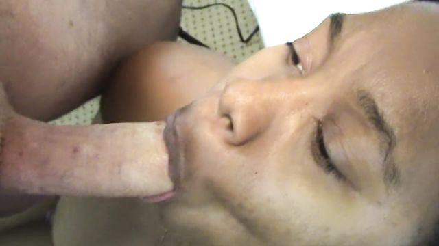Домашнее межрасовое порно: Накормил черную белой спермой