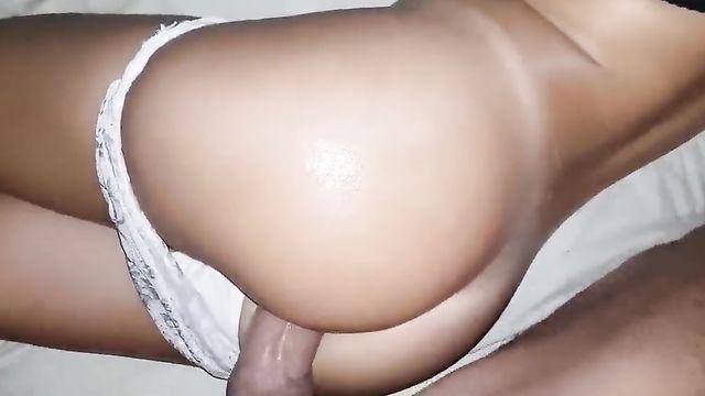 Разбудил спящую красавицу с помощью анального секса