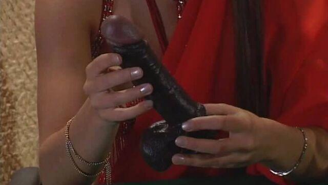 Порнофильм Сексуальные игрушки или Тайные орудия любви