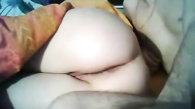 Анальный секс со спящей задницей пьяной сожительницы