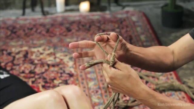 BDSM видео урок №6. Шибари, часть 2:футомомо (с русским переводом)