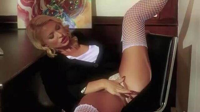 Полнометражный фильм 9 1/2 недель (XXX порно пародия с переводом)