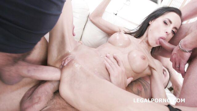 Двойной анал и грубый групповой секс с худой Aletta Black