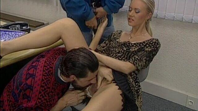 Жиголо 2 / Private Film 28: The Gigolo 2 (1995) с русским переводом