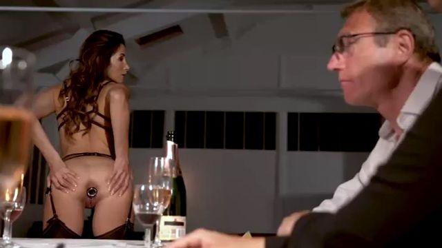 Клеа: Страсть и подчинение (2020) порно фильм с русским переводом!