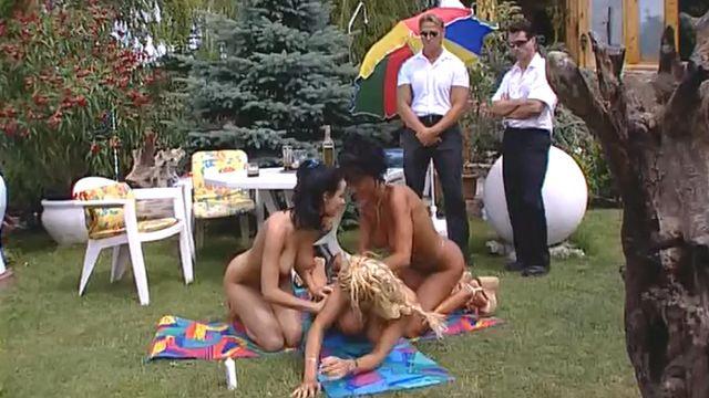 Сексуальные секреты папарацци - полнометражный порно фильм с русским переводом