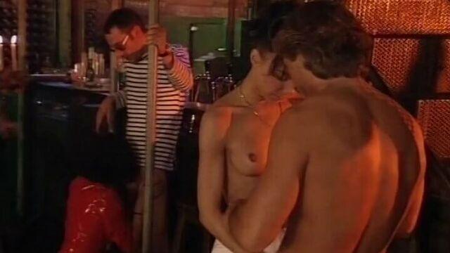 Молодежная вечеринка (немецкий порнофильм с русским переводом)