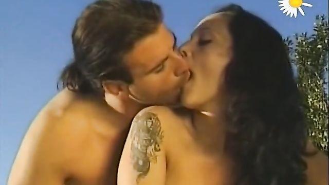 Курортные оргии / Buntes Treiben auf Ibiza (2004) немецкий порно фильм на русском