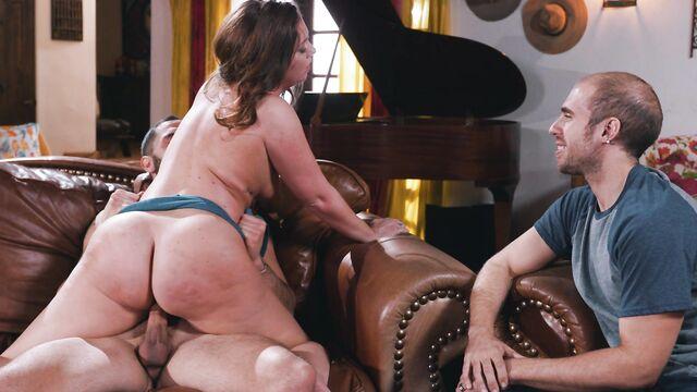 Горячие Жены 2 | The Hot Wives Vol. 2, порно фильм с русским переводом