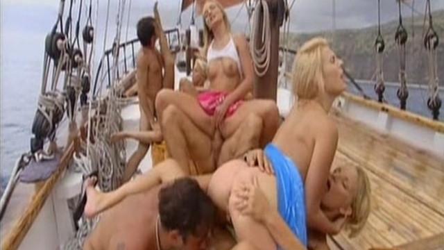 40-я годовщина Прайвет! Private 40th Anniversary (порнофильм с русским переводом)