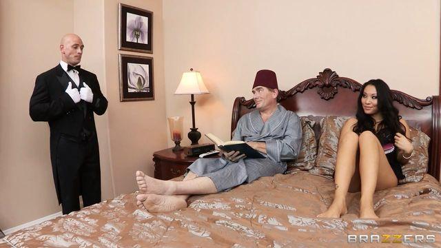 Жена олигарха (Аса Акира) соблазнила на секс придворного [brazzers порно]