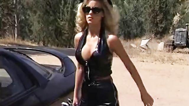 Женщины в черном / Women in Black (xxx порно фильм пародия с русским переводом)