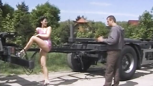 В Живую 2 / Reality 2 (2003) - порнофильм о публичном сексе на людях