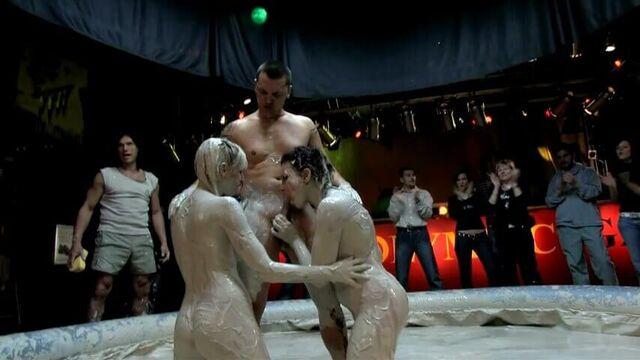Порнолимпиада: Анальные игры (часть 1) порно фильм с русским переводом!