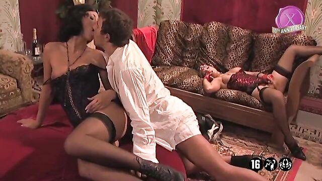 Аромат желания / Le parfum du desir (2003) порнофильм с русским переводом