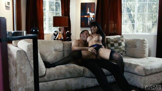 Институтка / Ingenue (2017) порно фильм с русским переводом