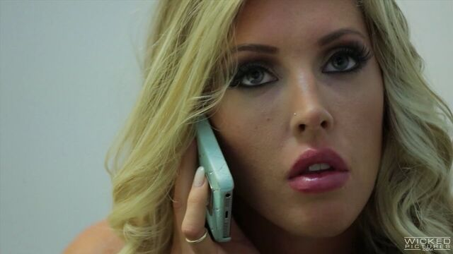 Холли… Будь готова / Holly… Would (порнофильм с русским переводом)