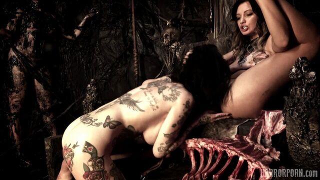 Адская дыра / Hell Hoes (2019) порно ужастик на ночь