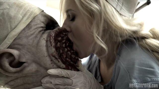 Кошмарный дантист на пару с медсестрой доминируют над пациентом