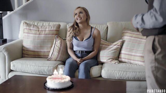 Сюрприз на День Рождения / Birthday Surprise (с русским переводом)