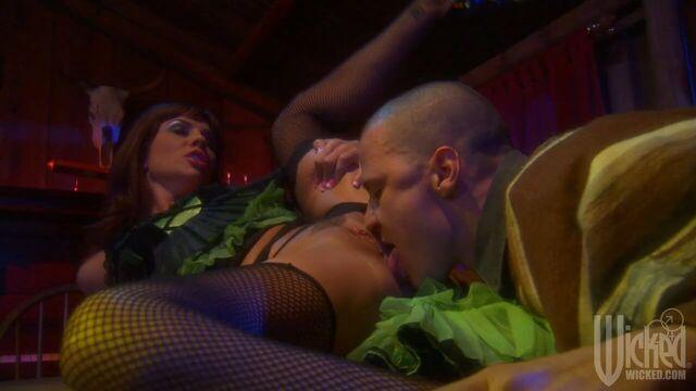 Блюз свадебных колокольчиков — порно фильм с переводом