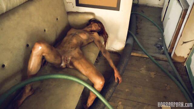 Порно ужасы на ночь: Зверь из леса