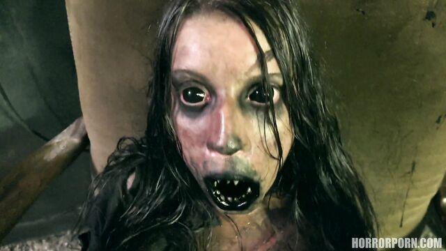 Порно ужасы: Зловещий проклятый мертвец в облике демона
