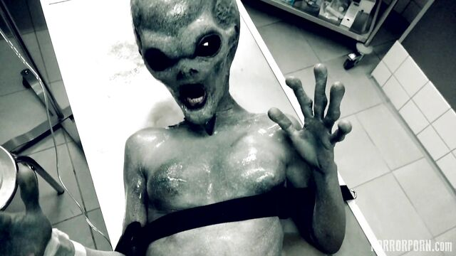 Секс с инопланетянином из разбившегося Розуэлльского НЛО