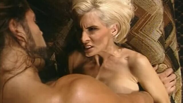 Давалка (Приносящая несчастье) порнофильм с переводом