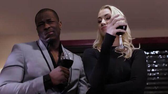 Блондинки с Темнокожими 4 — порнофильм с русским переводом